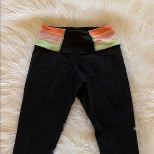 Lulu black reversible leggings!! (Cropped)